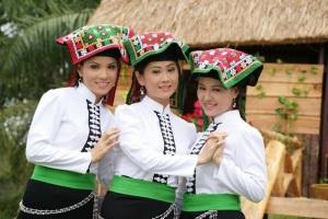 Xip Xi, une fête originale des Thaïs blancs de Son La