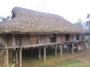 maison-sur-pilotis-a-Nghia-Do