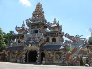 pagode-de-linh-phuoc