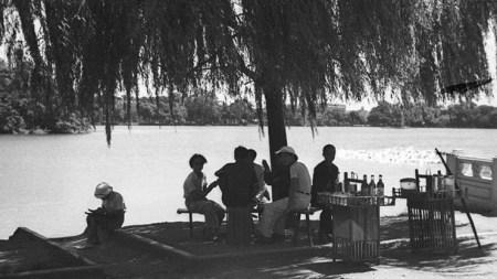 bord-du-lac-de-hoan-kiem