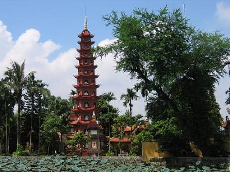 temple-tran-quoc