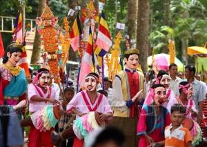 Les-mysterieux-masques-des-Khmers