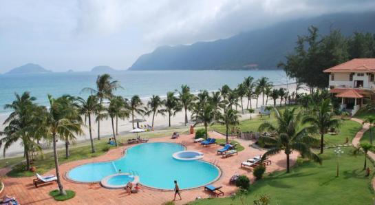 Cet hôtel lové dans une île paradisiaque est parfait pour les couples à la recherche de tranquillité, grâce à sa situation loin des grands centres touristiques.