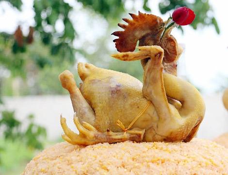 Un coq du culte du réveillon au Vietnam