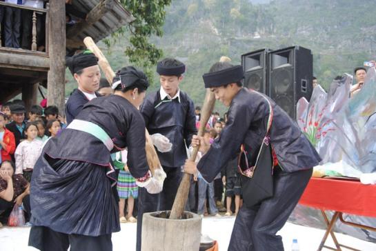 Compétition entre hommes, Khau Vai