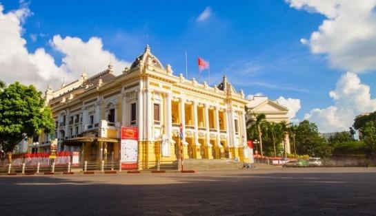 ouverture opera hanoi vietnam.jpg