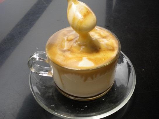 cafe a l'oeuf