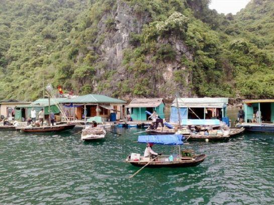 village cua van 1
