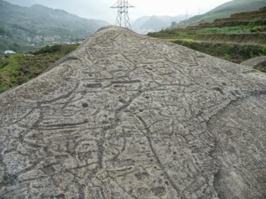 ancienne pile de roche sapa.jpg