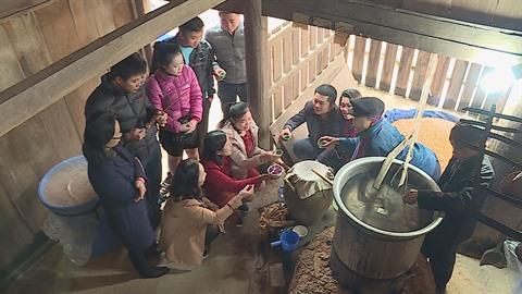hmongs ruou ngo 1