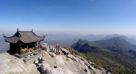 pagode bronze yen tu.jpg
